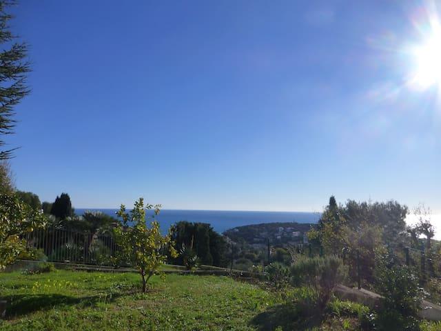 rez de jardin dans villa   Vue Mer. - Roquebrune-Cap-Martin - Loft