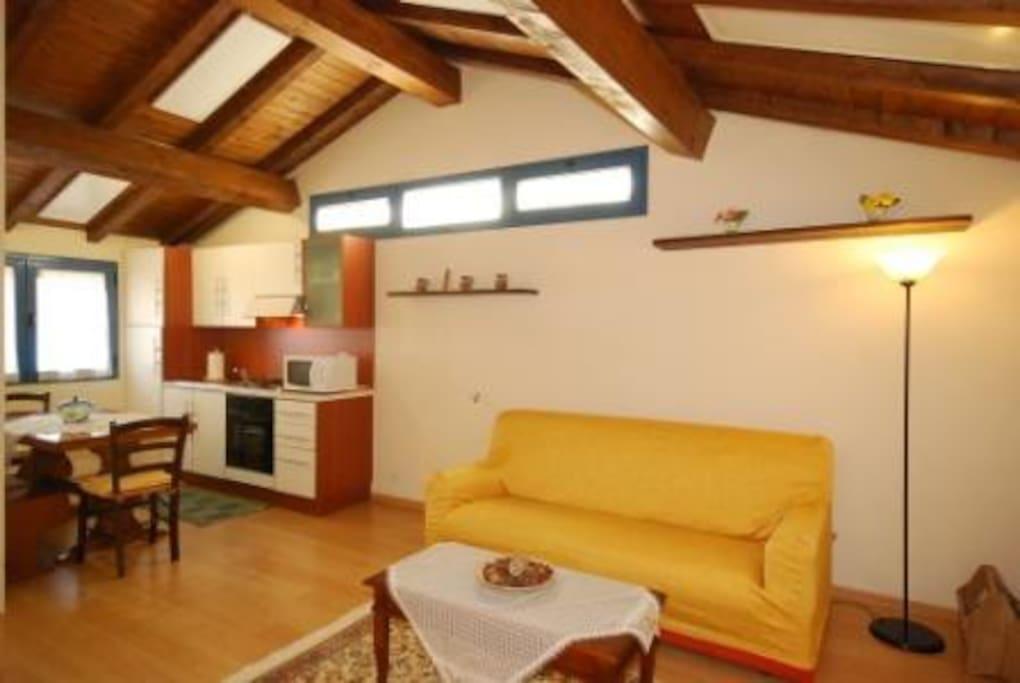 appartamento in stile rustico h user zur miete in arezzo. Black Bedroom Furniture Sets. Home Design Ideas