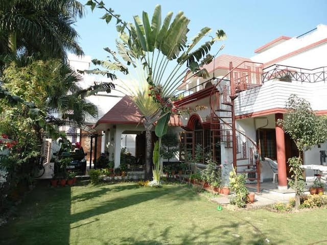 Lily Of The Valley Homestay - Dehradun - Casa