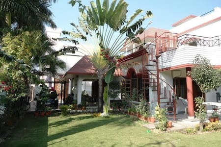 Lily Of The Valley Homestay - Dehradun - House