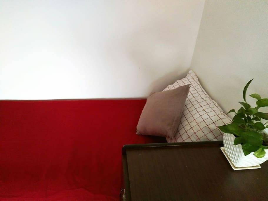 三里屯南2号温馨的单人床位