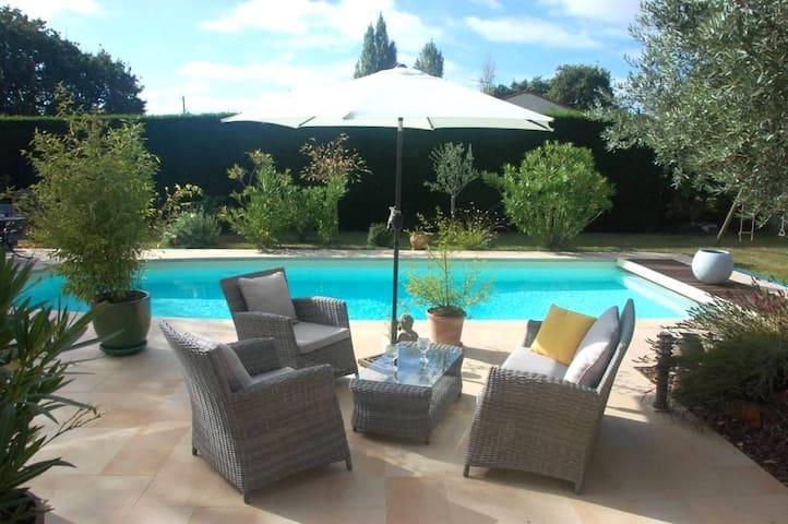 NOUVEAU - Chambre au calme avec jardin et piscine