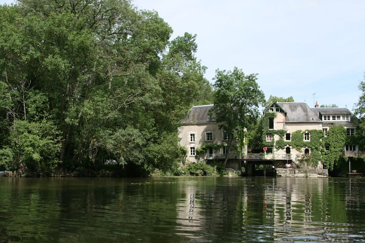 Loire valley : 18th century Mill - Monts - Byt