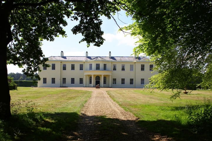 Regency country house and estate  - Thetford - Slott