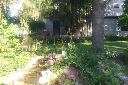 Private single room in quiet country setting - Mazeppa - Dům