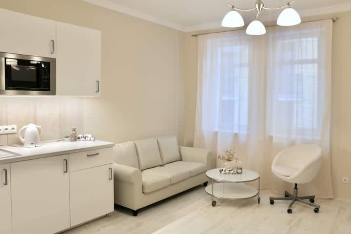 Cozy&spacious apartment. CityCenter. Free parking
