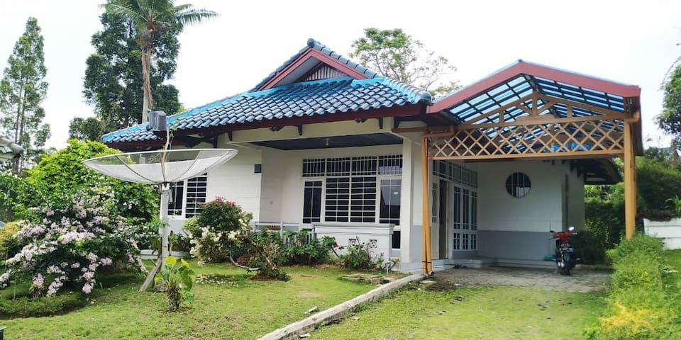 Villa Puncak 3BR Bersih Murah
