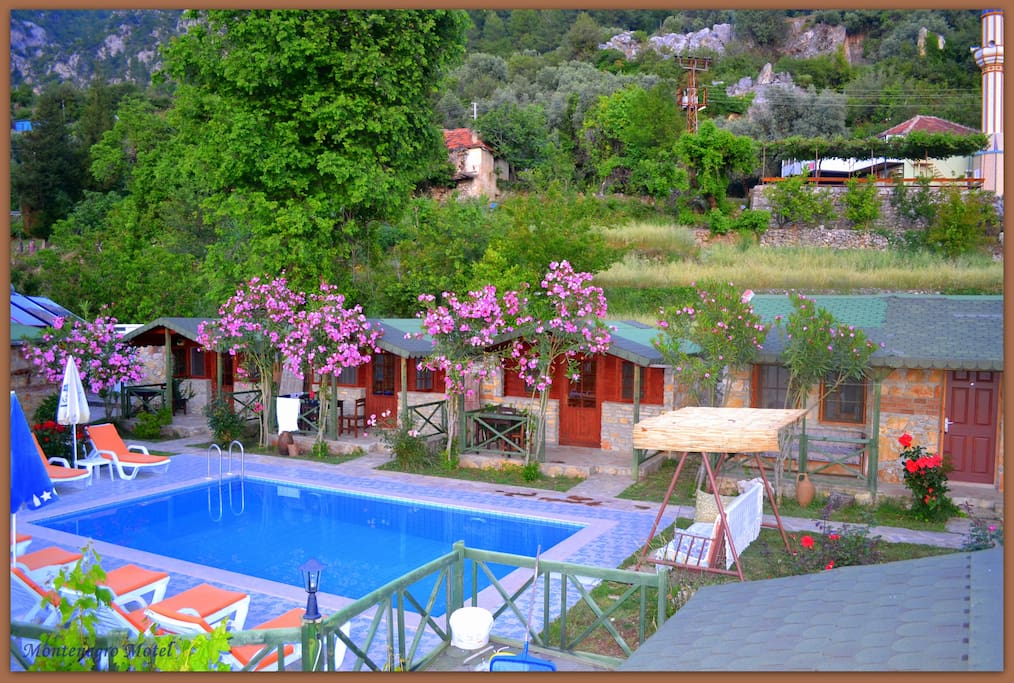 Montenegro Motel, Pool side rooms
