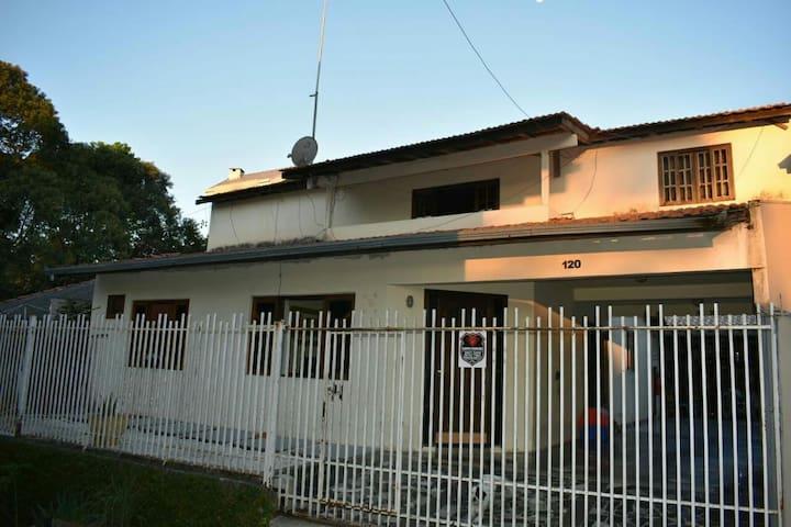 Casa da Mari - Quarto de solteiro em residência