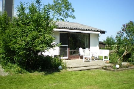 Schwackendorf`s little cottage - Hasselberg