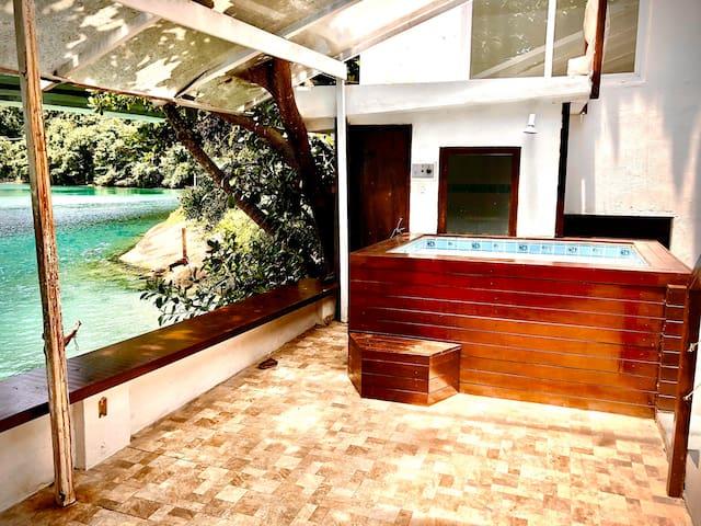 Quarto casal c/banheiro privado - Barra da Tijuca