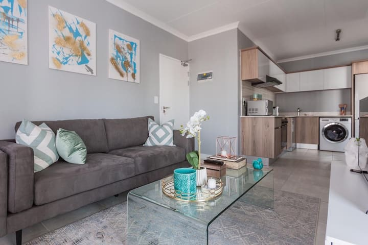 Modern, 1 Bedroom apartment  at THE BLYDE