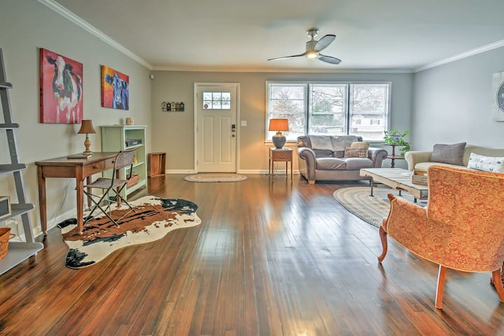 You'll find room for 5 in this 2-bed, 1-bath house.