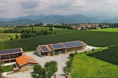 Romantica Holiday B&B Franciacorta - Passirano - Bed & Breakfast