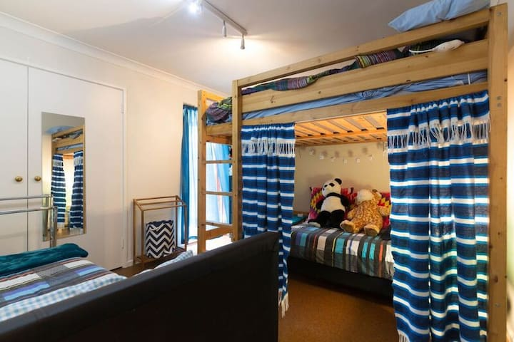Bunk room for large groups