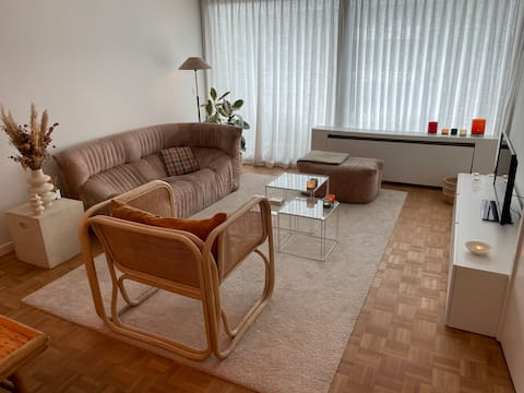 Cosy bohemian apartment just outside City Centre