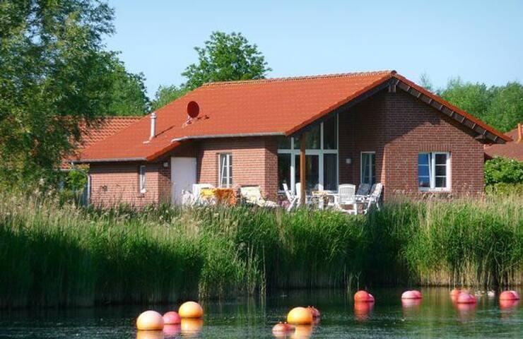 Ferienhaus Seestern am idyllischen Südsee mit eigenem Kanu