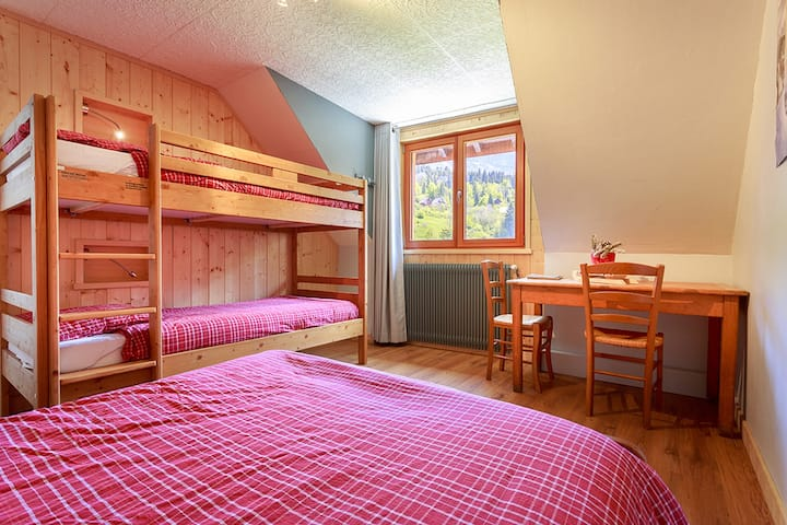 Family room-Private Bathroom-Classic-Mountain View-CHAMBRE HIVER