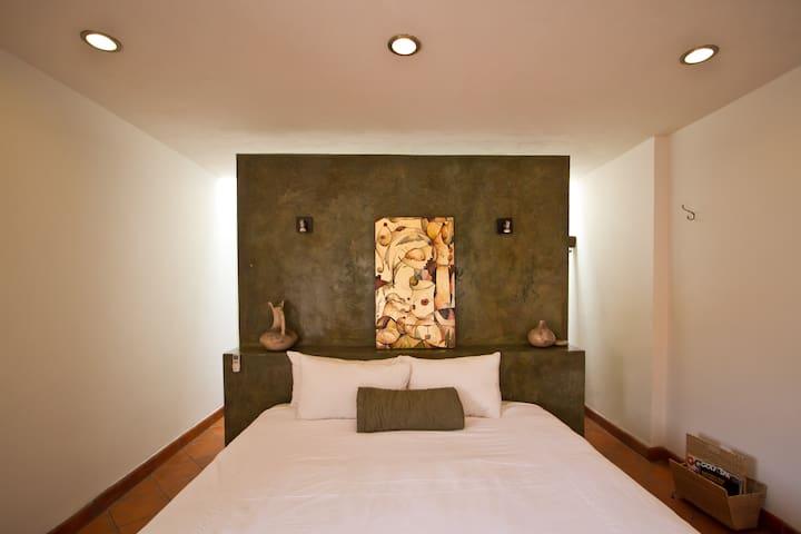 Room Downtown - Queretaro, Qro. - Bed & Breakfast