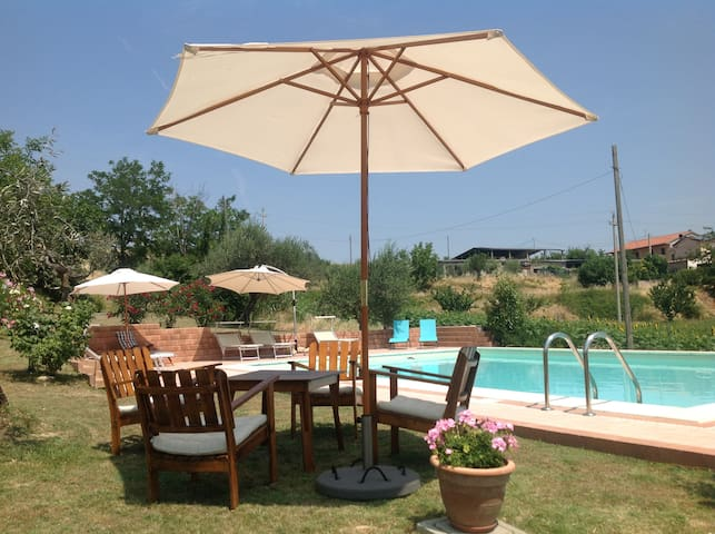 Casa Bertona Luxe vakantiewoning met zwembad - Villa Celiera - House