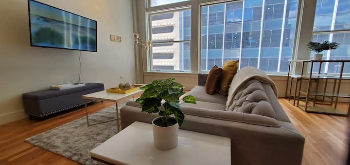 Perfect for Long Term | Studio Loft in Downtown! D