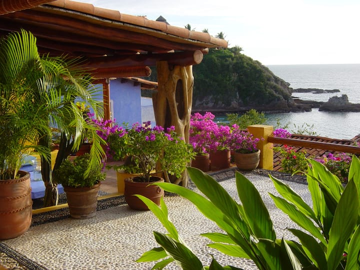 Charming Two Bedroom Ocean View Casita