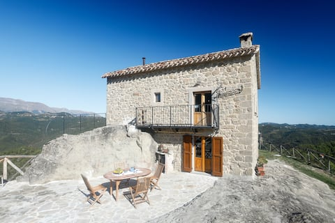 Chalet with 2 bedrooms in Meschia, with wonderful sea view and furnished garden - 45 km from the slopes