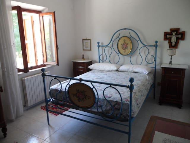 AL FRESCO IN CAMPAGNA E MARE VICINO - Montemarciano - Rumah