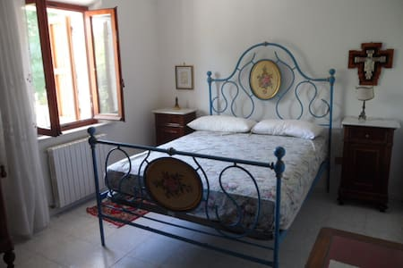 AL FRESCO IN CAMPAGNA E MARE VICINO - Montemarciano - Casa