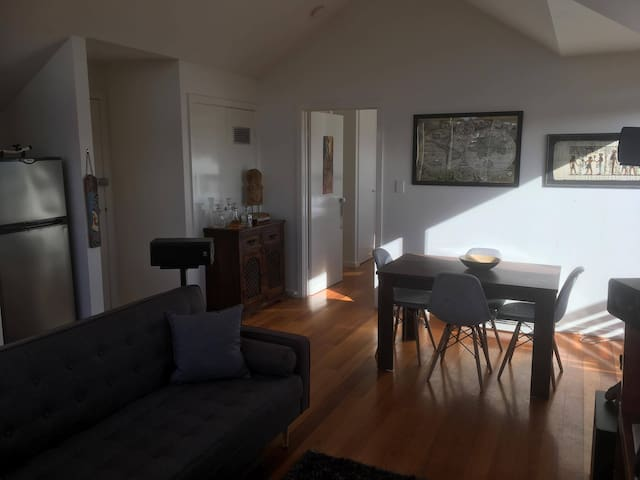 Amazing Loft Apartment in the heart of St Kilda!