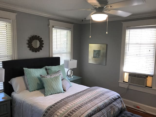 Charming upstairs unit at the Grove - St. Augustine - Apartment