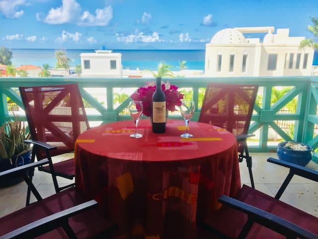 Sea View Loft in Pelican Key