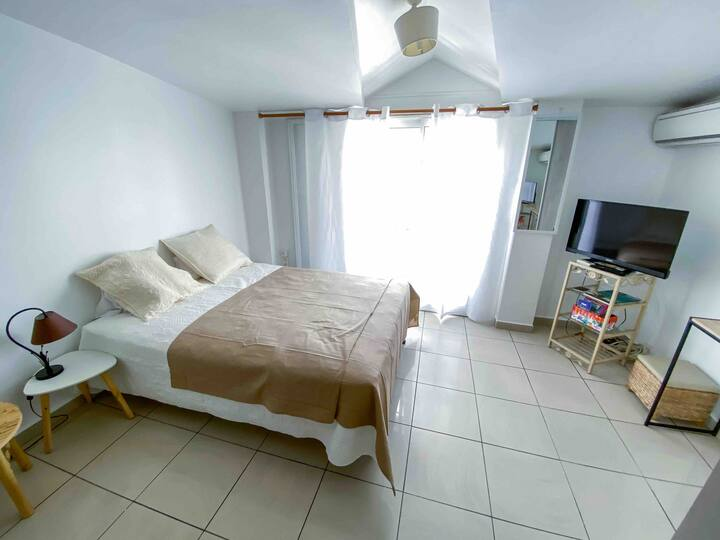 ☆Large air-conditioned studio in the heart of PaP☆