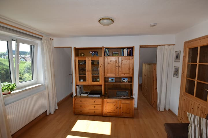 Cozy Apartment in Lechbruck with Garden