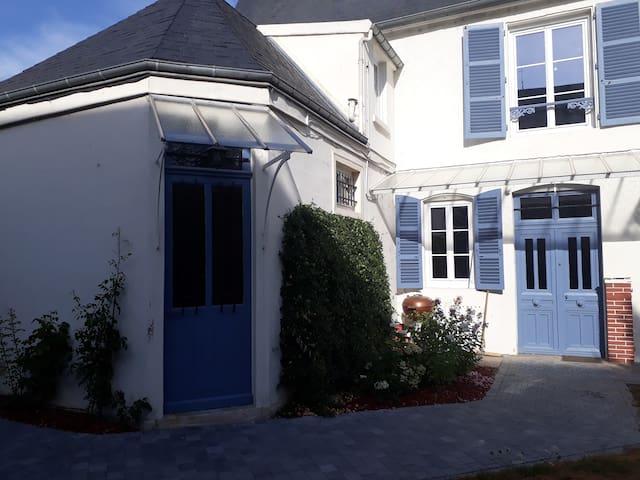 Les Pierres Bleues-Guest house