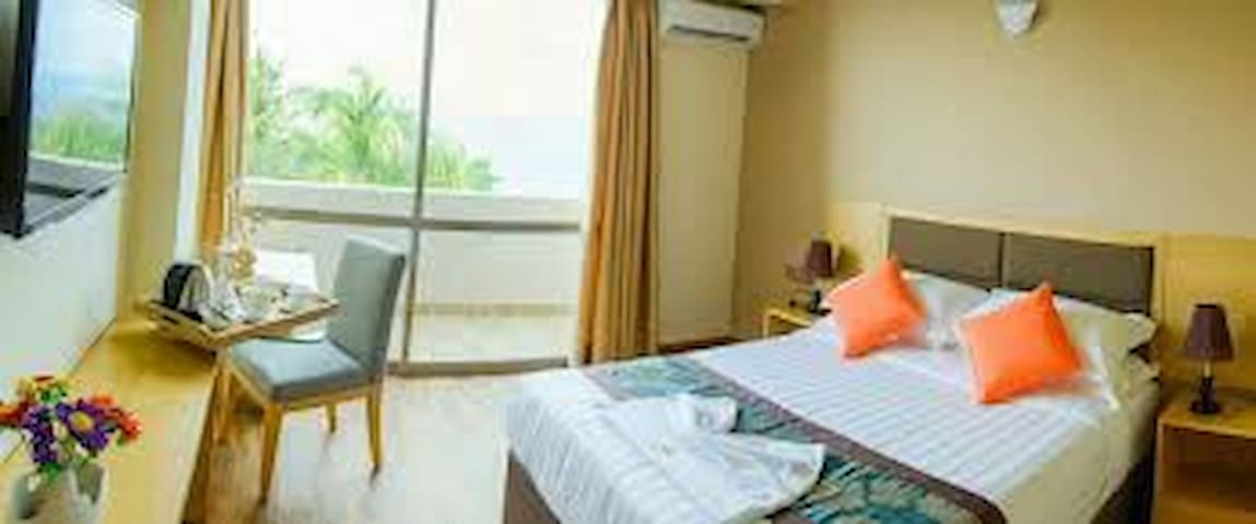 Stay in a Local island of Maldives - Thulusdhoo - Apartment
