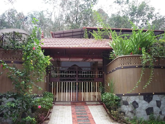 Holiday Home @ Thodupuzha, Kerala - Thodupuzha - House