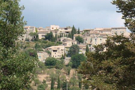 Séjour dans la campagne provençale - Lurs