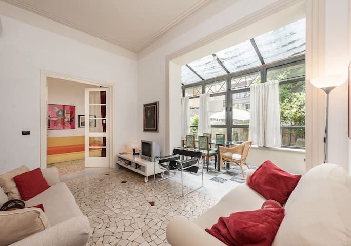 Florence Flat with garden &  free parking