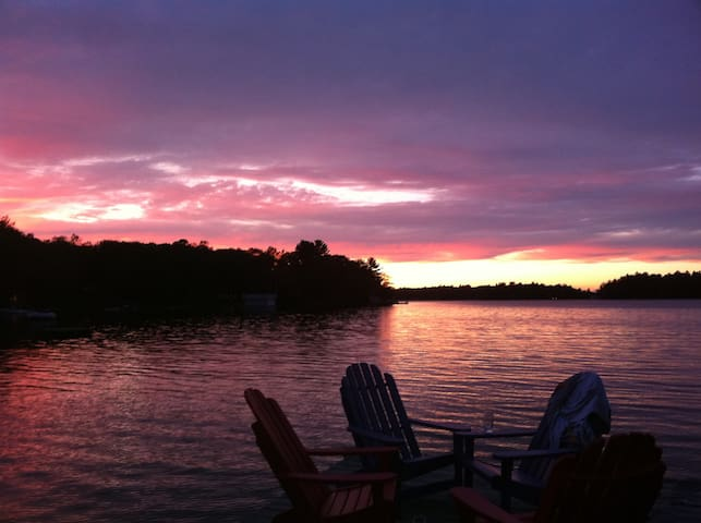 Lakefront Muskoka Retreat - Gravenhurst - Casa