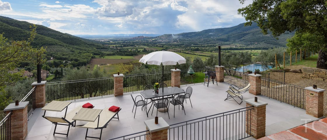 "April & May offers. ""WoW""  Fabulous Family Home - Castiglion Fiorentino"