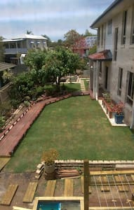room in new house in great location in brisbane - Cannon Hill