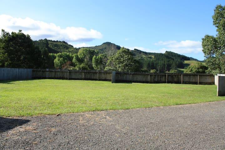 Caravan & Campervan sites - Kaimarama - Camper/RV