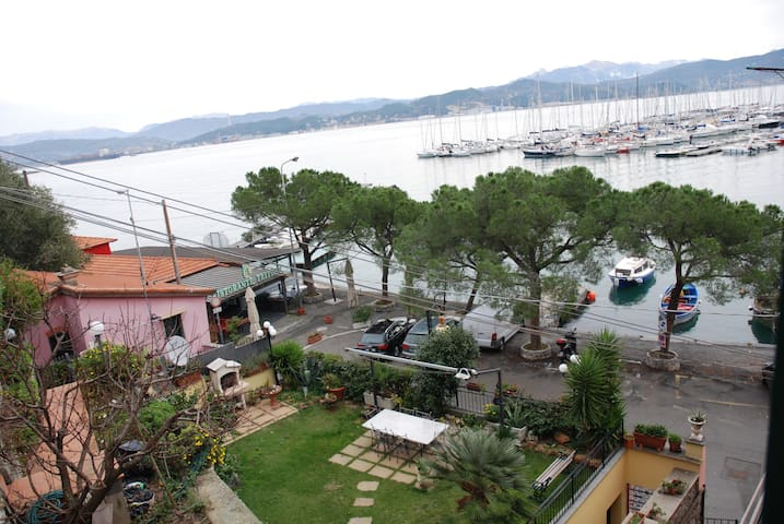 Direttamente sul mare, indipendente - Fezzano - Apartment