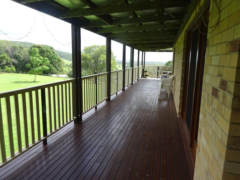 Long sweeping timber verandahs