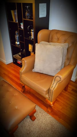 Arm Chair infront of the TV to enjoy the last movies or just Sit think and rest.