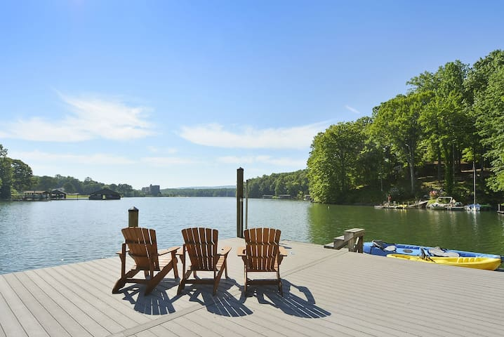 Cabin, Wood Fireplace, Hot Tub, Wi-fi, 2 Dogs,deep Water