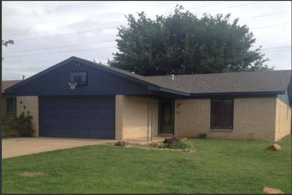 3 bedrooms, 2 baths, 2 car garage. Spacious and Centrally Located