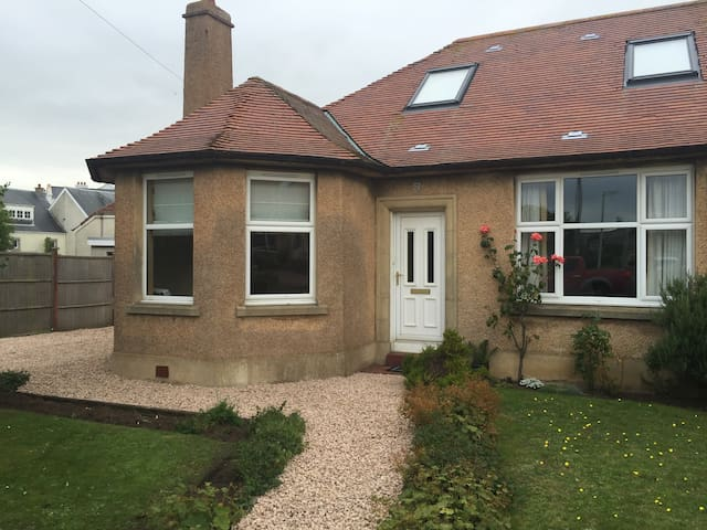 Delightful property in Elie