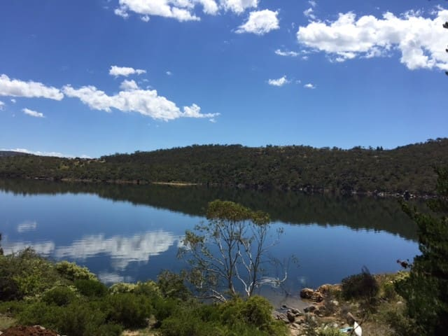 The Lakehouse Apartment A - Jindabyne - Apartment